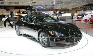 Motor vehicle, Mode of transport, Automotive design, Transport, Vehicle, Land vehicle, Event, Car, Personal luxury car, Alloy wheel,