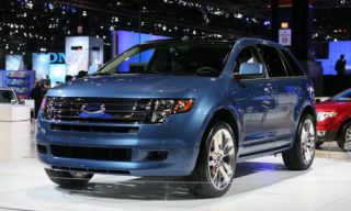 Motor vehicle, Tire, Wheel, Automotive design, Vehicle, Transport, Product, Land vehicle, Event, Automotive tire,