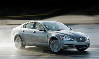 Tire, Mode of transport, Vehicle, Automotive mirror, Automotive design, Land vehicle, Car, Automotive lighting, Headlamp, Alloy wheel,