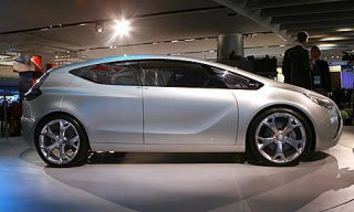 Tire, Motor vehicle, Wheel, Mode of transport, Automotive design, Vehicle, Transport, Car, Alloy wheel, Automotive wheel system,