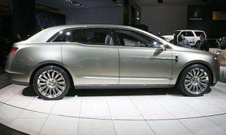 Tire, Wheel, Mode of transport, Automotive design, Vehicle, Alloy wheel, Land vehicle, Car, Automotive tire, Rim,