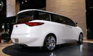 Motor vehicle, Tire, Automotive mirror, Wheel, Mode of transport, Automotive design, Transport, Vehicle, Automotive exterior, Glass,