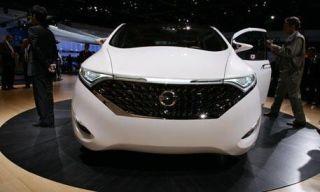 Mode of transport, Product, Automotive design, Vehicle, Event, Land vehicle, Human body, Headlamp, Car, Photograph,