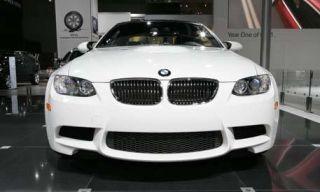 Motor vehicle, Mode of transport, Automotive design, Hood, Vehicle, Grille, Car, Automotive lighting, Automotive exterior, Photograph,