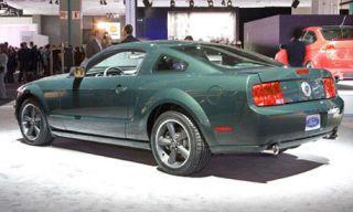 Tire, Motor vehicle, Wheel, Automotive design, Vehicle, Transport, Land vehicle, Car, Automotive tire, Rim,