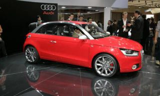Tire, Motor vehicle, Wheel, Mode of transport, Automotive design, Vehicle, Alloy wheel, Land vehicle, Event, Car,