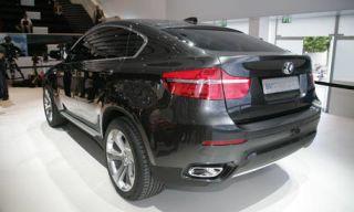 Tire, Wheel, Mode of transport, Automotive design, Product, Vehicle, Automotive tire, Automotive lighting, Automotive exterior, Car,