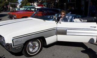 Mode of transport, Vehicle, Land vehicle, Car, White, Classic car, Classic, Fender, Vehicle door, Luxury vehicle,