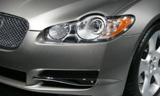Automotive design, Daytime, Automotive lighting, Vehicle, Automotive exterior, Headlamp, Hood, Grille, Car, Photograph,