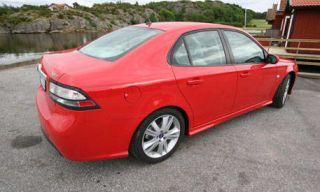 Tire, Wheel, Motor vehicle, Mode of transport, Automotive design, Vehicle, Land vehicle, Car, Red, Rim,