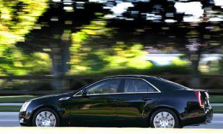 Tire, Motor vehicle, Wheel, Automotive design, Vehicle, Land vehicle, Car, Rim, Alloy wheel, Fender,