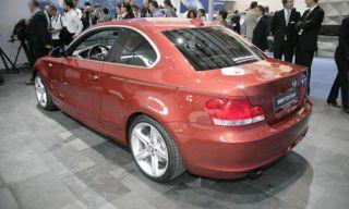 Wheel, Tire, Mode of transport, Automotive design, Vehicle, Alloy wheel, Vehicle registration plate, Automotive wheel system, Car, Rim,