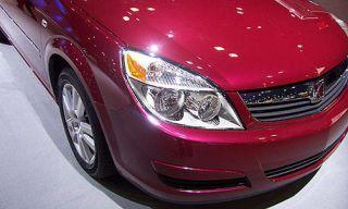 Motor vehicle, Automotive design, Automotive lighting, Vehicle, Automotive mirror, Automotive exterior, Land vehicle, Headlamp, Automotive parking light, Hood,