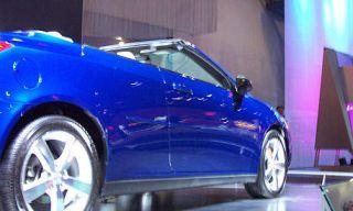 Tire, Wheel, Blue, Automotive tire, Automotive design, Vehicle, Alloy wheel, Automotive wheel system, Land vehicle, Rim,