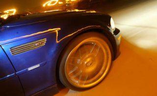 Tire, Motor vehicle, Wheel, Automotive tire, Automotive design, Rim, Automotive lighting, Automotive exterior, Automotive wheel system, Alloy wheel,