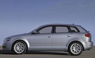 Tire, Wheel, Motor vehicle, Mode of transport, Automotive design, Automotive mirror, Alloy wheel, Vehicle, Transport, Automotive tire,