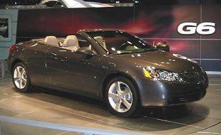 Tire, Motor vehicle, Mode of transport, Automotive design, Automotive mirror, Vehicle, Transport, Car, Automotive lighting, Personal luxury car,