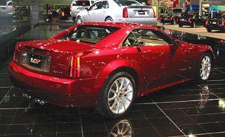 Tire, Wheel, Motor vehicle, Automotive design, Mode of transport, Land vehicle, Vehicle, Transport, Alloy wheel, Rim,