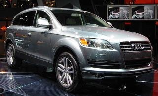 Tire, Motor vehicle, Wheel, Automotive design, Product, Transport, Vehicle, Land vehicle, Headlamp, Alloy wheel,