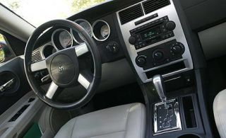 Motor vehicle, Steering part, Mode of transport, Steering wheel, Transport, Photograph, Center console, White, Car, Vehicle audio,
