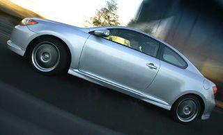 Mode of transport, Automotive design, Vehicle, Transport, Land vehicle, Alloy wheel, Car, Automotive parking light, Automotive wheel system, Automotive lighting,