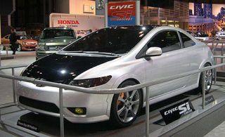 Tire, Motor vehicle, Wheel, Mode of transport, Automotive mirror, Automotive design, Vehicle, Transport, Land vehicle, Car,