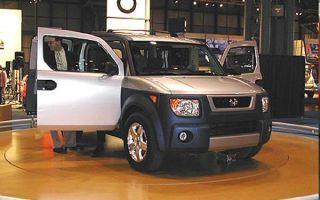 Motor vehicle, Mode of transport, Automotive design, Transport, Vehicle, Automotive lighting, Automotive exterior, Automotive tire, Automotive parking light, Rim,