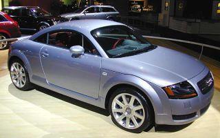 Tire, Wheel, Automotive design, Vehicle, Land vehicle, Automotive tire, Alloy wheel, Automotive lighting, Rim, Car,