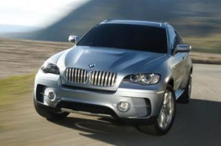 Motor vehicle, Mode of transport, Automotive mirror, Automotive design, Automotive exterior, Vehicle, Automotive tire, Product, Road, Hood,