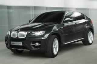 Tire, Motor vehicle, Mode of transport, Automotive design, Product, Vehicle, Automotive tire, Automotive exterior, Rim, Car,