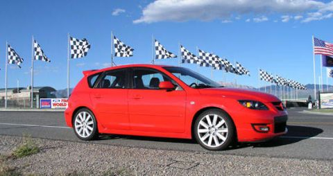 Tire, Wheel, Automotive design, Daytime, Vehicle, Transport, Rim, Flag, Car, Red,