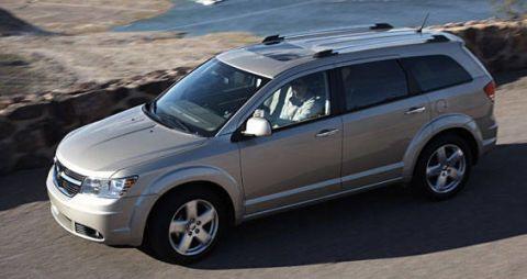 Tire, Wheel, Automotive mirror, Automotive tire, Vehicle, Land vehicle, Automotive carrying rack, Transport, Rim, Car,