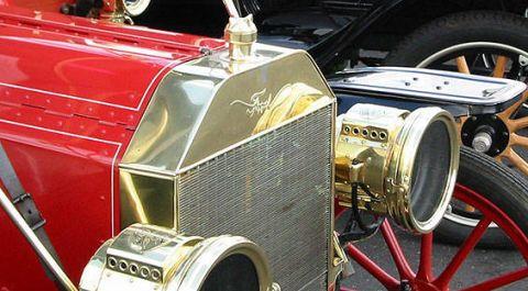 Motor vehicle, Mode of transport, Automotive design, Vehicle, Automotive lighting, Classic car, Classic, Antique car, Headlamp, Fender,