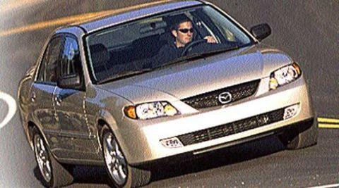 Motor vehicle, Automotive design, Automotive mirror, Vehicle, Land vehicle, Automotive lighting, Headlamp, Hood, Car, Transport,