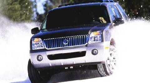 Motor vehicle, Automotive design, Automotive exterior, Vehicle, Automotive lighting, Headlamp, Transport, Hood, Land vehicle, Grille,