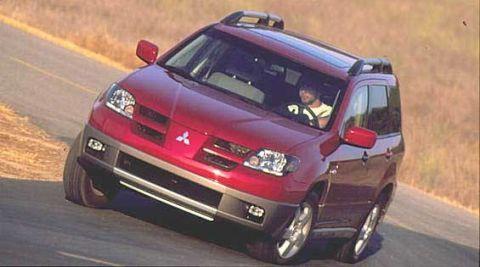 Tire, Wheel, Automotive mirror, Automotive design, Vehicle, Land vehicle, Car, Automotive exterior, Rear-view mirror, Automotive tire,
