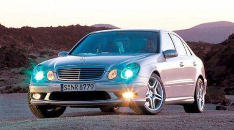 Motor vehicle, Mode of transport, Automotive design, Vehicle, Hood, Land vehicle, Automotive mirror, Transport, Car, Grille,