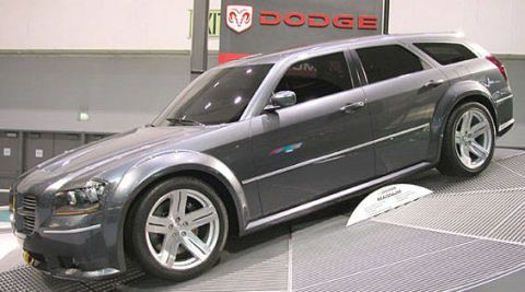 Tire, Wheel, Automotive design, Vehicle, Automotive tire, Alloy wheel, Land vehicle, Rim, Car, Spoke,