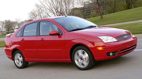 Tire, Wheel, Motor vehicle, Mode of transport, Automotive design, Automotive mirror, Vehicle, Automotive tire, Transport, Land vehicle,