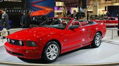 Tire, Wheel, Automotive design, Vehicle, Car, Hood, Performance car, Fender, Personal luxury car, Headlamp,