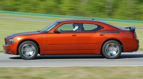 Tire, Wheel, Automotive tire, Mode of transport, Automotive design, Vehicle, Land vehicle, Infrastructure, Car, Rim,
