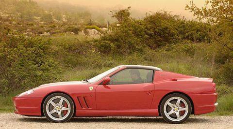 Tire, Wheel, Automotive design, Vehicle, Land vehicle, Alloy wheel, Rim, Spoke, Car, Performance car,