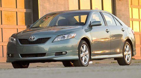 Tire, Wheel, Daytime, Vehicle, Glass, Land vehicle, Car, Headlamp, Automotive lighting, Rim,