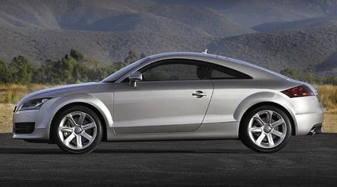 Tire, Wheel, Automotive design, Alloy wheel, Vehicle, Rim, Automotive wheel system, Automotive tire, Spoke, Car,