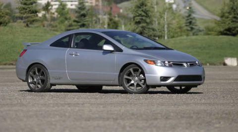 Tire, Wheel, Mode of transport, Automotive mirror, Vehicle, Automotive design, Land vehicle, Infrastructure, Rim, Alloy wheel,