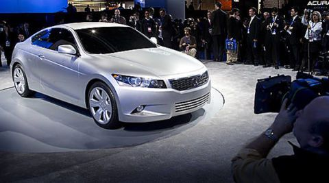 Tire, Wheel, Automotive design, Vehicle, Event, Land vehicle, Car, Full-size car, Mid-size car, Grille,
