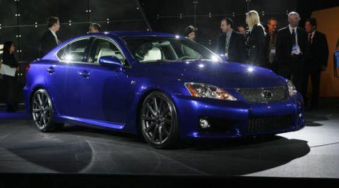 Tire, Automotive design, Vehicle, Land vehicle, Car, Automotive lighting, Headlamp, Hood, Rim, Personal luxury car,