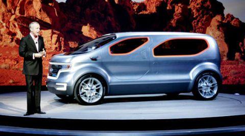 Tire, Motor vehicle, Automotive design, Mode of transport, Automotive mirror, Vehicle, Car, Alloy wheel, Vehicle door, Automotive wheel system,