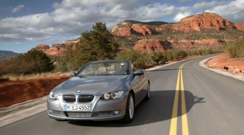 Motor vehicle, Road, Automotive mirror, Mode of transport, Mountainous landforms, Vehicle registration plate, Automotive design, Vehicle, Hood, Grille,