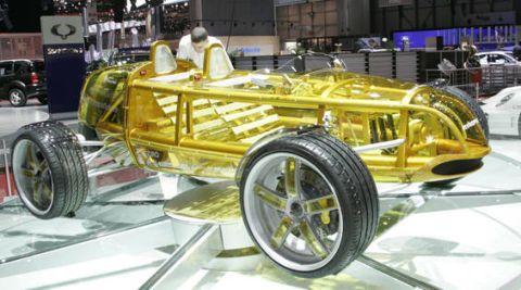 Tire, Automotive design, Vehicle, Rim, Automotive tire, Spoke, Automotive wheel system, Auto show, Classic, Tread,